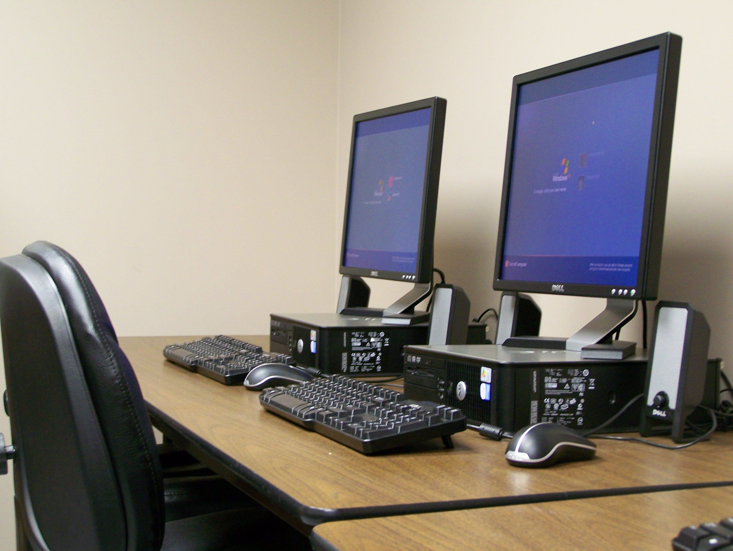 Photo of Computer Lab at Vesper Hall